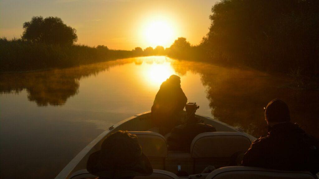 Tur cu barca in Delta Dunarii