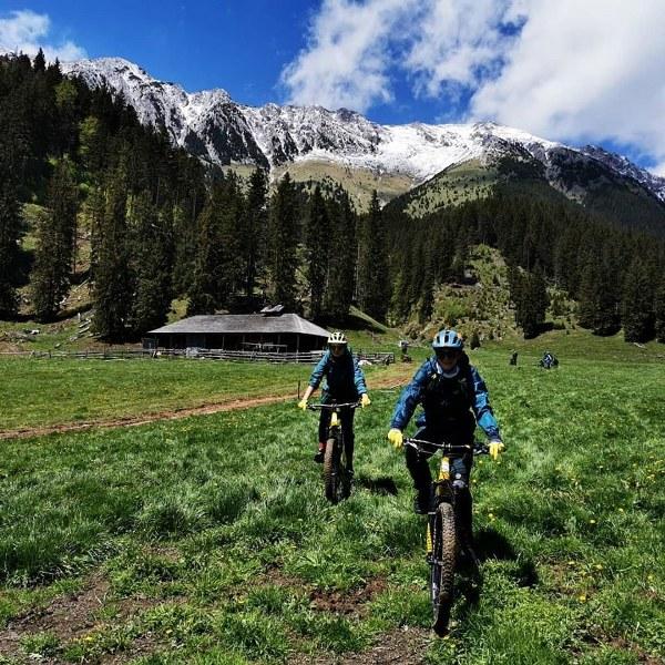 Mountain Bike Tour in Piatra Craiului National Park